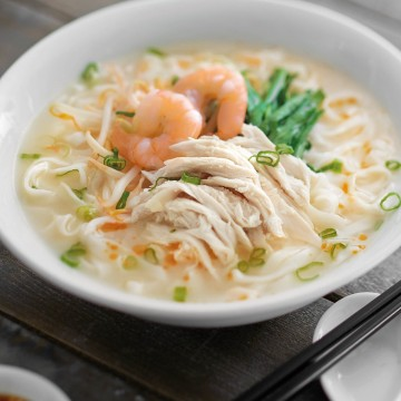 怡保清湯河粉配鲜蝦 +雞絲 IPOH KWAY TEOW SOUP WITH PRAWNS & CHICKEN SLICES-11