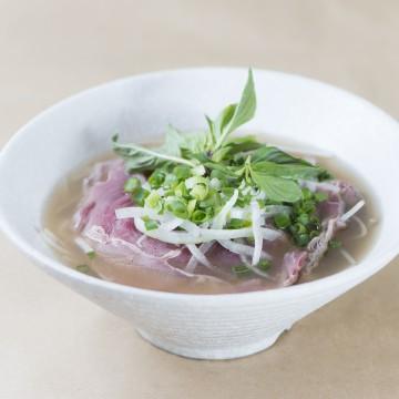 生牛肉河粉 Raw Beef Flat Noodle Soup
